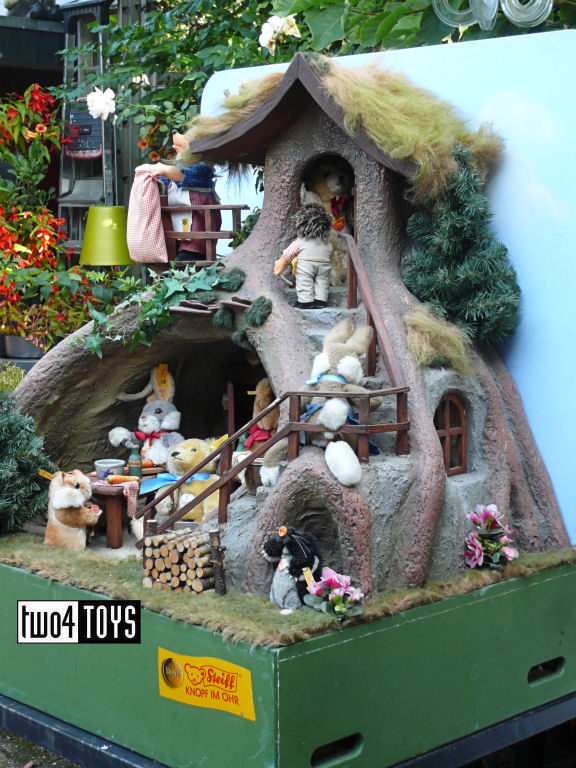 https://www.two4toys.com/images/details/Holleboomhuis01.jpg
