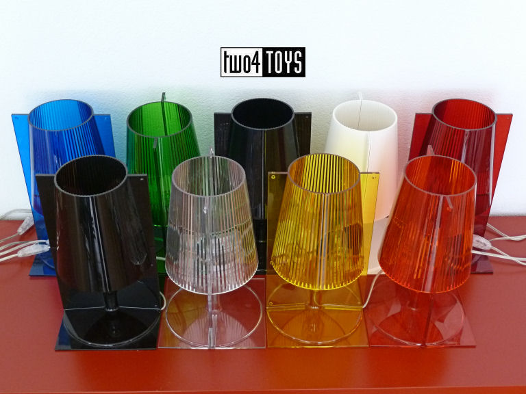 https://www.two4toys.com/images/details/Kartell_Take_alles_licht_uit_1.jpg