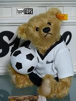 Steiff 002908 CLASSIC TEDDY BEAR GERMAN SOCCER PLAYER 2006