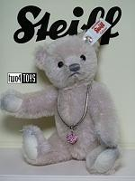 2018 Steiff 006494 LOVE TEDDY BEAR WITH SWAROVSKI HEART