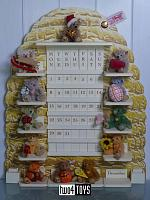 Steiff 027307 PERPETUAL CALENDAR WITH 12 MINI TEDDIES 2001