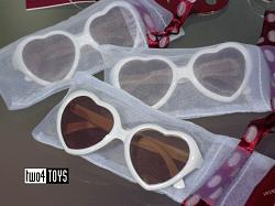 Gotz 3402219 HEART SHAPED SUN GLASSES