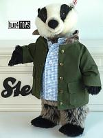 2021 Steiff 355592 TOMMY BROCK BADGER FROM PETER RABBIT SERIES