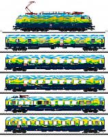 Marklin 39171/43879 DB TOURISM TRAIN E-LOC & CAR SET 2020