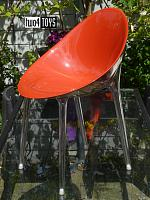 Kartell MR. IMPOSSIBLE STOEL ROOD EN TRANSPARANT
