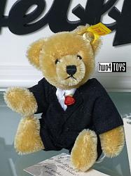 Steiff 027925 MINIATURE CLASSIC TEDDY BEAR GROOM 2000