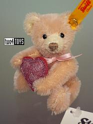 Steiff 028915 MINI TEDDY BEAR WITH RED HEART