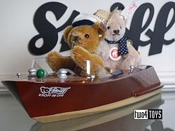 Steiff 037405 MINI TEDDY BEAR COUPLE WITH RIVA MOTOR BOAT 2006