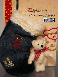 Steiff 037641 TEDDY BEAR WITH CHRISTMAS STOCKING 2005
