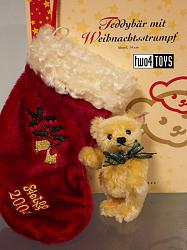 Steiff 037740 TEDDY BEAR WITH CHRISTMAS STOCKING 2004