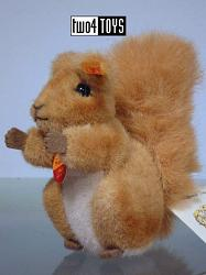 Steiff 045103 POSSY MINIATURE SQUIRREL 2000