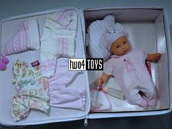 Gotz 0520096 MUFFIN DOLL IN SUITCASE W. OUTFITS 2005