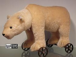 Steiff 400544 POLAR BEAR ON WHEELS 1910 REPLICA 2006