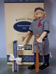 Steiff 411656 REPLICA 1913 BASEBALL PLAYER FELT DOLL 1995