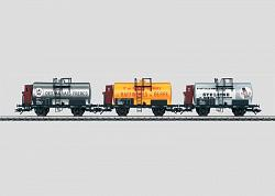 Marklin 46752 SNCF SET OF 3 TANK CARS WITH BRAKEMAN'S CAB 2004