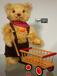 Steiff 671166 TEDDY BEAR WITH WOODEN WAGON GERMANY 2002