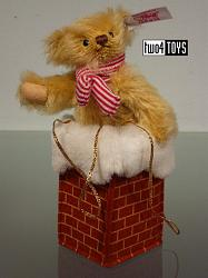 Steiff 682704 MINIATURE CHRISTMAS TEDDY IN CHIMNEY USA 2014