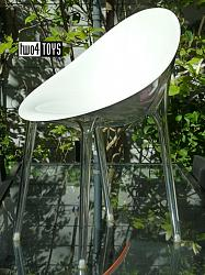Kartell MR. IMPOSSIBLE CHAIR WHITE AND TRANSPARENT